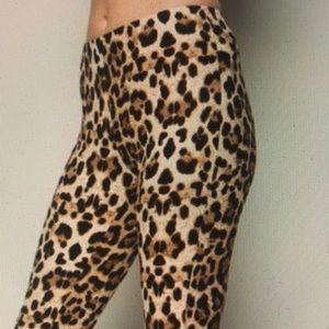 ❗️Just In ❗️- Leopard Prints Leggings S/M/L.  NWT